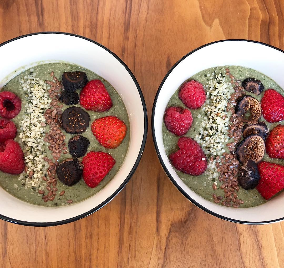 Green Acai Smoothie Bowls for Breakfast