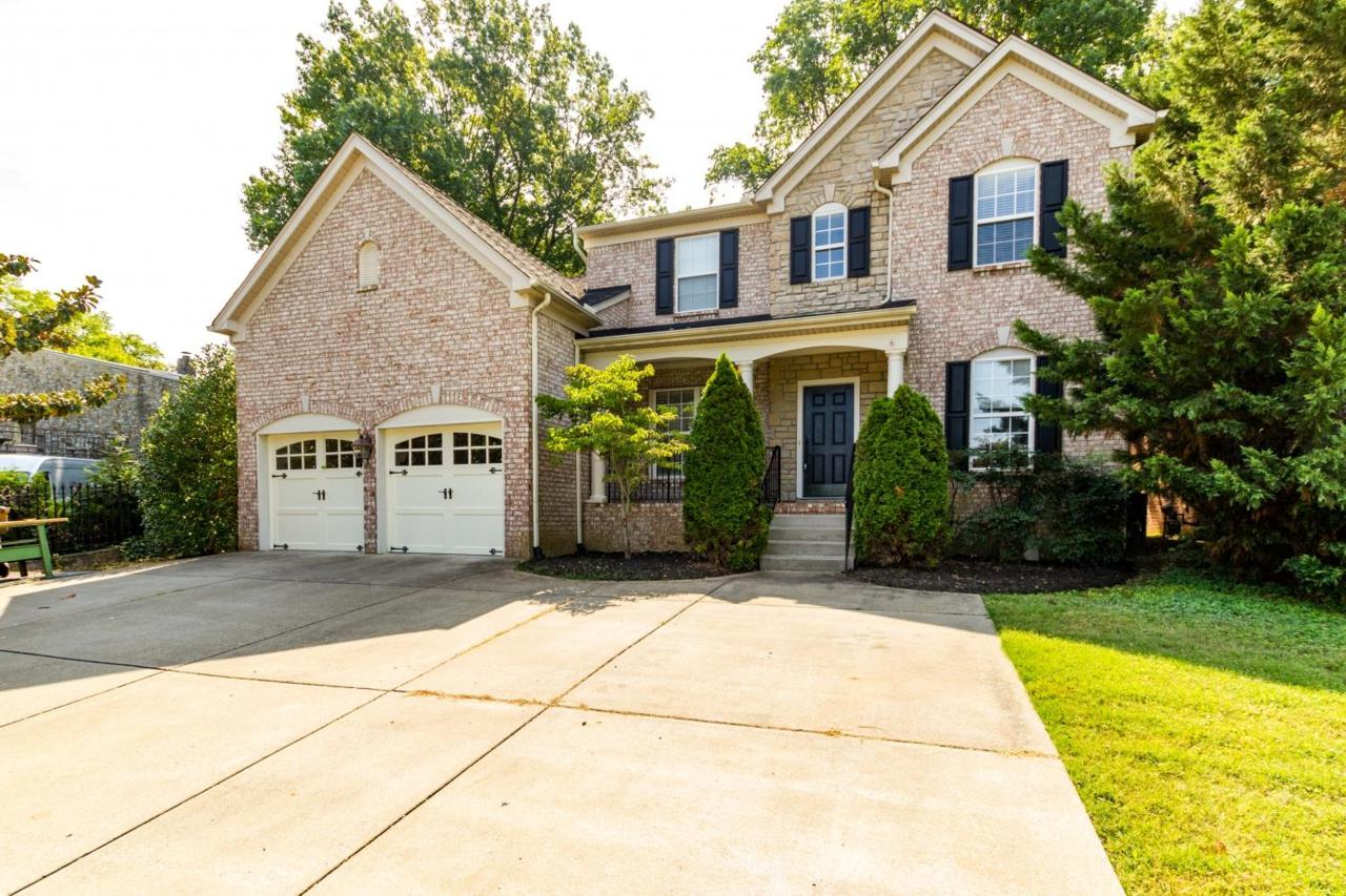 Open House: 6601 Highway 100, Belle Meade, Sunday 2-4