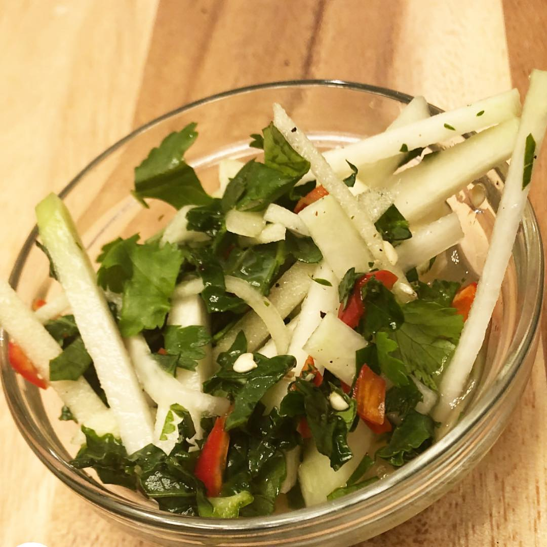 Kohlrabi Apple Slaw: Slice kohlrabi and apple into matchsticks, dice a Serrano pepper, and finely chop a little kale and cilantro. I made an easy dressing of the juice of a lime, rice vinegar, maple syrup, and salt and pepper. I combined it all together, then let it marry in the fridge while I finished the butternut squash and black bean tacos. The squash, kale, kohlrabi, and Serrano were delicious and from my favorite local farmer @whitesquirrelfarm. Thanks for introducing us to kohlrabi, Farmers Chris and Tracy