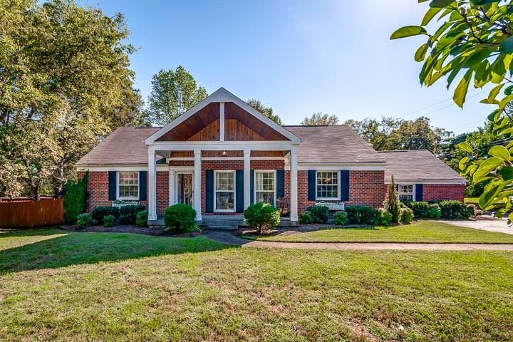 Open House: 833 Woodmont Sunday 1/31
